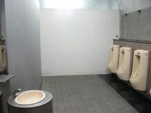 飛田給駅前トイレ