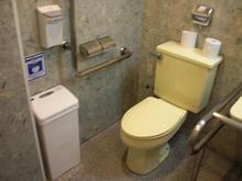 PCデポ花小金井店多目的トイレ