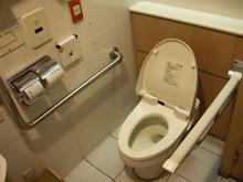 紀伊国屋書店 新宿南店 5階トイレ