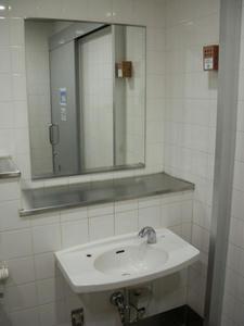 小田急エース(新宿西口地下道)の多目的トイレ