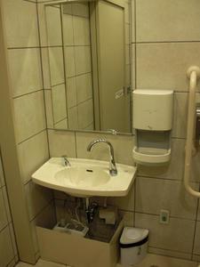 マルイシティ新宿1 8階多目的トイレ