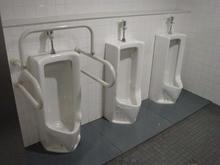 味の素スタジアム 正面ゲートトイレ