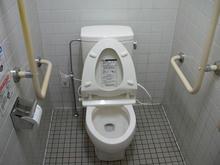 コープ回田店 外トイレ