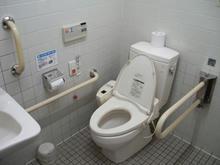 コープ回田店 外多目的トイレ