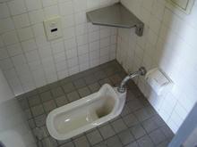 窪東公園トイレ