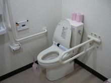 でんきち三鷹本店 1階多目的トイレ