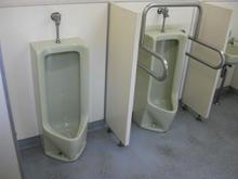 旧岩崎邸庭園 入場口横トイレ