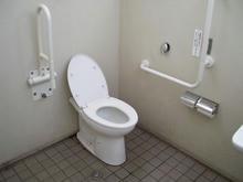 給田四丁目緑地多目的トイレ