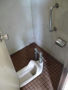連雀中央公園トイレ