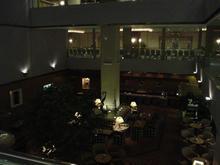京王プラザホテル多摩 1階メインエントランス