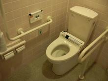 PCデポ三鷹店多目的トイレ