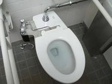 清瀬金山緑地公園多目的トイレ