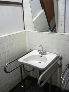 浴恩館公園多目的トイレ