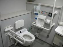 国立ハンセン病資料館 1階多目的トイレ