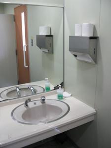 ツタヤJR東所沢駅前店 1階トイレ