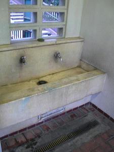 下里本邑遺跡公園トイレ