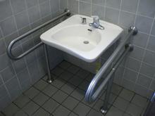 関前公園多目的トイレ