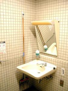 本多公民館 1階多目的トイレ