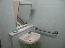 くにたち北市民プラザ多目的トイレ