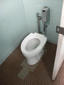 湯島天神境内公衆トイレ