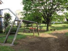 新川谷端児童公園(ローラー公園)トイレ