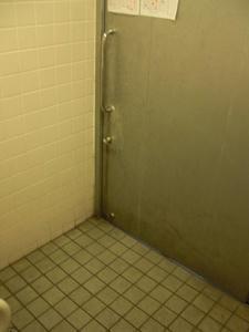 サンドラッグ小平鈴木町店 外トイレ