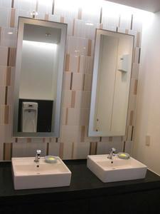 ソフマップ秋葉原本館 4階男性用トイレ