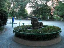 東郷公園 東郷元帥邸玄関にあったライオン像