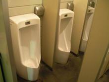 パワーラークス東久留米店 外トイレ
