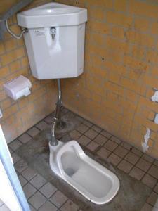 小山台遺跡公園トイレ
