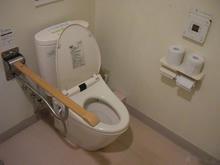 業務スーパー国立弁天通り店 外多目的トイレ