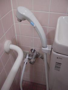 ウエルシア東久留米本町店 外多目的トイレ