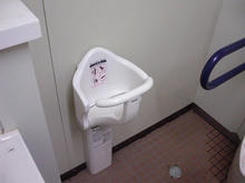 カマキリ公園トイレ