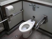 野山北公園 グランド広場多目的トイレ