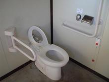 野川橋緑地多目的トイレ