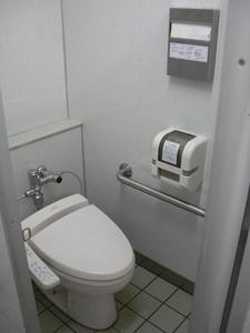 サミットストア祖師谷店 地下1階トイレ