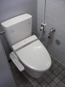 ライフ千歳烏山店 2階トイレ