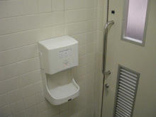 ライフ千歳烏山店 2階多目的トイレ