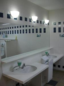 ケーズデンキ立川本店 1階多目的トイレ