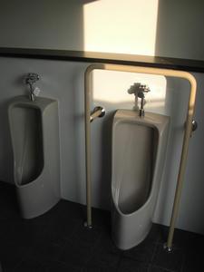 済美公園トイレ