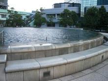 ウエストプロムナード 滝の広場