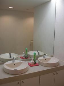 ユニクロ世田谷千歳台店トイレ