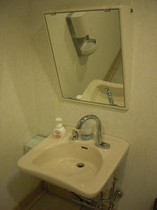 ユニクロ世田谷千歳台店 多目的トイレ