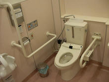 コルモピア深大寺店 多目的トイレ
