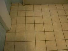 サンドラッグ福生店 外トイレ