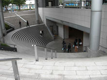 用賀駅 駅前