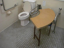 山本有三公園トイレ