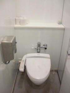 ユニクロ新宿西口店 3階トイレ