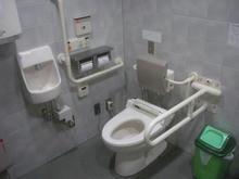 志免町役場 1階多目的トイレ
