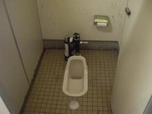 高尾山口駅 駐車場トイレ